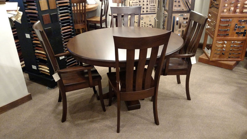 Charmant Bassett Single Pedestal Table