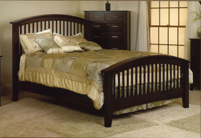 Cambrai Bed with Arched Footboard (1102)