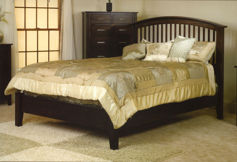 Cambrai Bed with Low Footboard (1103)