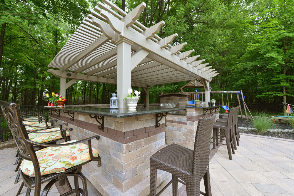 "15' x 18' Vinyl Pergola with Regular Shade and Braces and 6"" x 6"" Square Posts in Clay"