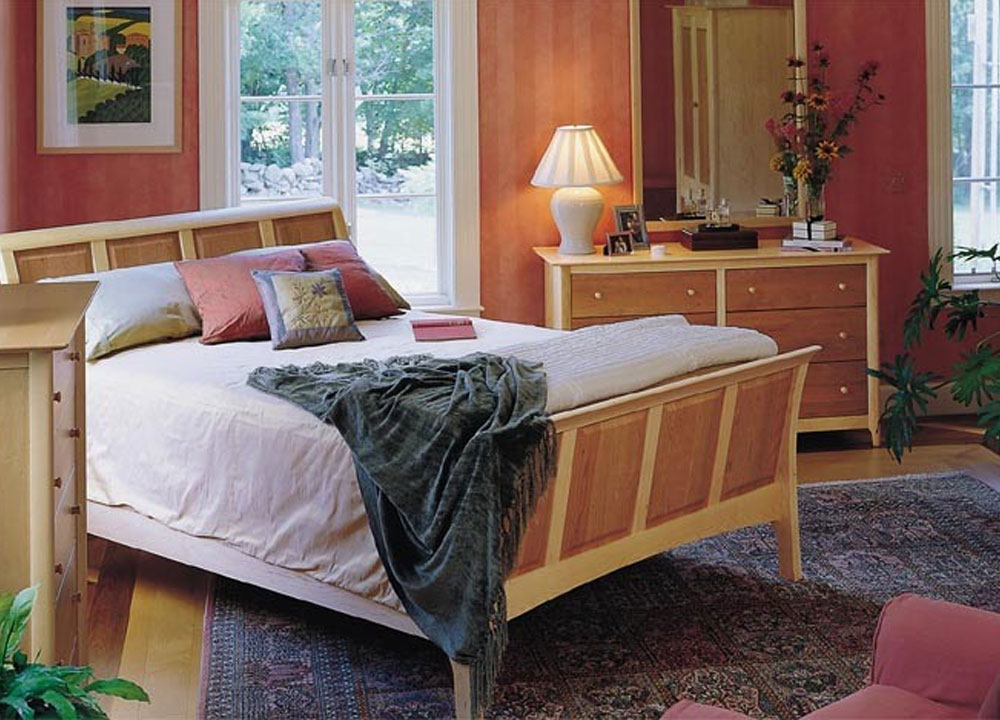 Copeland Sarah Bedroom Collection in Cherry/Maple