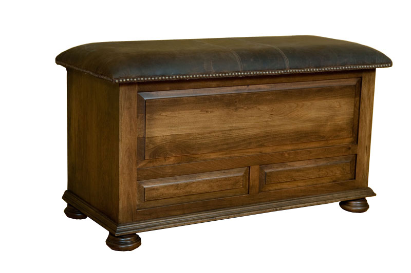 Blanket Chest in Rustic Cherry with Ancient Cherry Stain